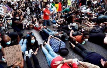 Miles de personas recuerdan a Floyd en España y protestan contra el racismo