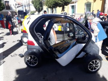 Buscan abrir agencia de vehículos eléctricos