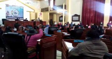 Asamblea determina ratificación de Omar Véliz como gobernador de Potosí