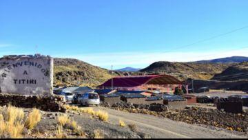 Bloqueo de ruta en ruta Potosí Oruro permanece por parte de comunarios