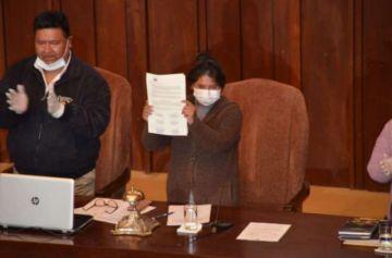 Fiscalía de La Paz admite denuncia contra Eva Copa y otros cinco asambleístas por promulgar la anterior Ley de Postergación de Elecciones