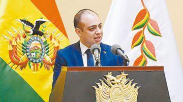 Mostajo dice que su apoyo en Bolivia ha concluido y que retoma sus funciones en el exterior