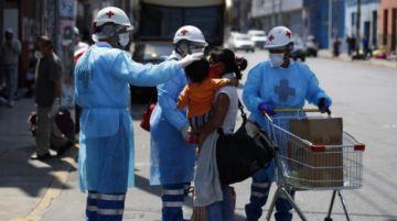 Perú desplaza a Italia en número de casos y se convierte en séptimo del mundo