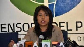 La defensora critica que el Gobierno deslinde responsabilidad de la educación en cuarentena