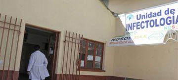 Cierran parcialmente el hospital Holandés en El Alto porque 40 profesionales contrajeron COVID-19