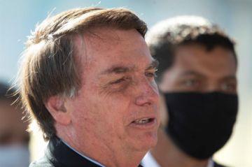 La justicia determina que Bolsonaro sea multado si no usa máscara preventiva