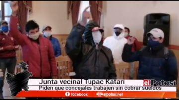 Vecinos de la junta Tupac Katari logran entrar al Concejo
