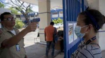 Médicos de Nicaragua exigen a Ortega primar salud y datos reales de COVID-19