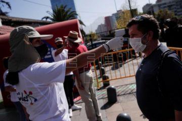 Chile suma 3.758 nuevos contagios y descarta de momento desconfinamientos