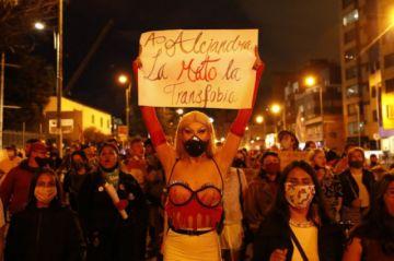 Miles de personas claman contra la violencia a personas trans en Bogotá
