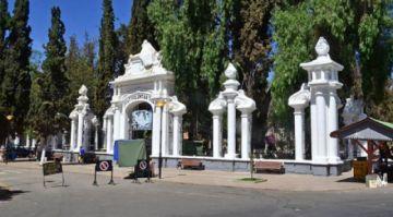 Sigue la crisis en Cochabamba, unos 30 cadáveres permanecen en las casas
