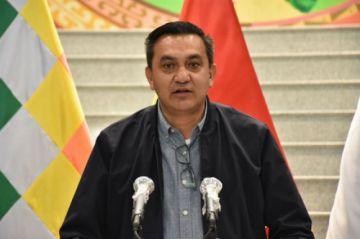 Ministro Yerko Núñez es hospitalizado tras dar positivo a  coronavirus