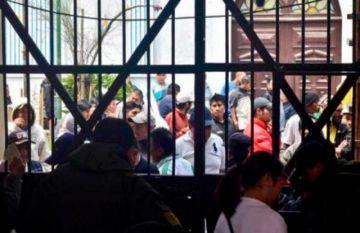 La Paz: Mueren personas en el penal de San Pedro y pusieron a contactos en aislamiento