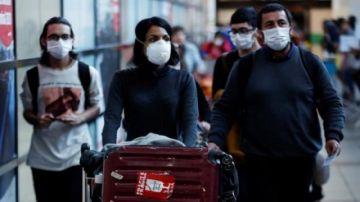 """La """"mísera leve mejoría"""" de Chile esconde más casos activos de los reportados"""