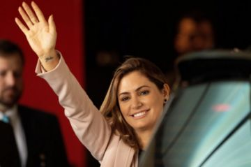 La primera dama de Brasil da negativo para COVID-19, tras contagio de Bolsonaro