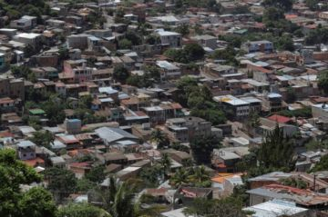 Miedo y tristeza entre universitarios hondureños confinados por COVID-19