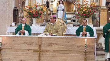 Ricardo Centellas asume su labor pastoral en Sucre con llamado a la solidaridad
