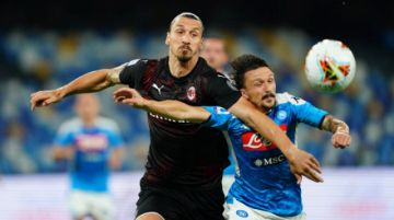 Napoli y Milan empataron en un duelo directo por la clasificación copera