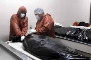 La pandemia hace aún más duro el trabajo en morgues de Bolivia