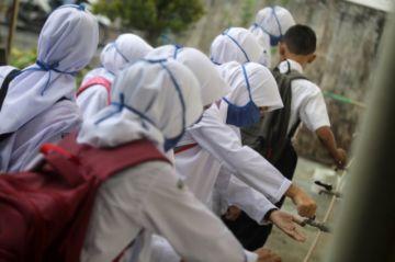Indonesia quiere duplicar test de la COVID-19 ante incremento de los contagios