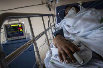 América registró el 64 % de muertes por coronavirus del mundo la semana pasada