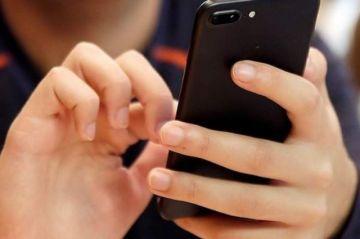 Este domingo la CAN inicia reducción gradual de tarifas de roaming internacional