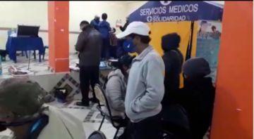 Médicos solidarios bridan atención gratuita