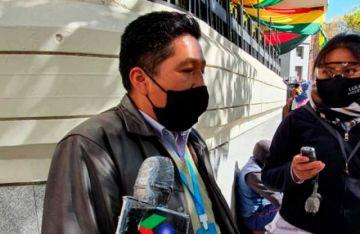 Choferes de La Paz afirman que no pueden pagar créditos