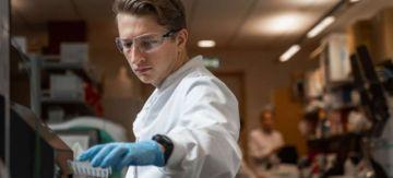 Nuevo estudio revela que la vacuna de Oxford contra el coronavirus produce una fuerte respuesta inmune