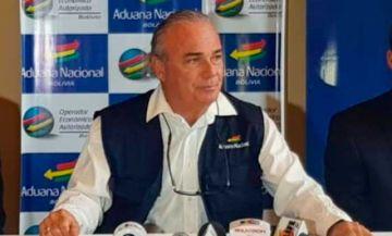 El presidente de la Aduana, Jorge Hugo Lozada, presenta su renuncia