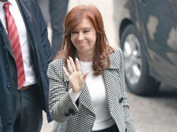Justicia argentina reanuda juicio a la vicepresidenta Kirchner