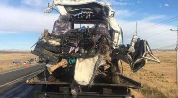 La paz: accidente de tránsito en la vía a Desaguadero deja nueve muertos y tres heridos