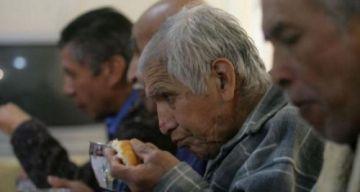 Bolivia tiene unos 23 geriatras para más de un millón de adultos mayores