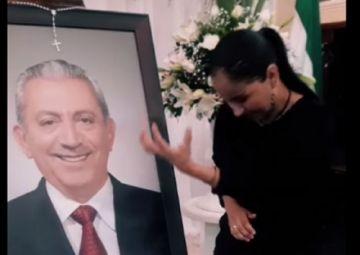Último adiós a Urenda: La emotiva despedida de María Lourdes, la intérprete de lenguaje de señas