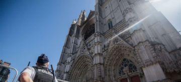 Un voluntario confiesa ser el autor del incendio de la catedral francesa de Nantes