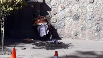 Una señora se desmayó en plena plaza 10 de Noviembre