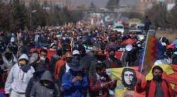 Marcha del MAS da 72 horas al TSE para que no postergue las elecciones