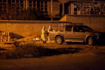 Enterraron a 46 cadáveres para descongestionar morgues de Sucre
