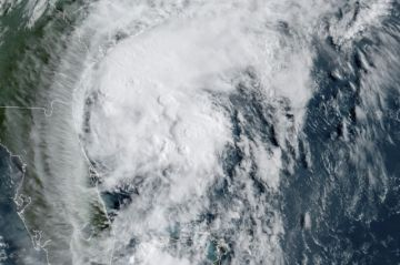 Costa este de EEUU se prepara para recibir a huracán Isaías