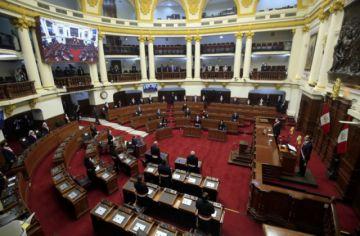 El Congreso de Perú niega confianza al gobierno y desata crisis política