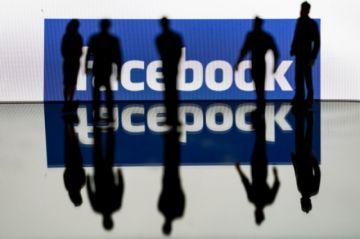 Facebook desmantela red de cuentas falsas pro Trump desde Rumania