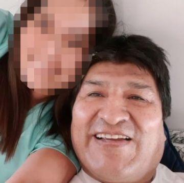 Fotografías de Evo Morales con una menor provocan indignación por doble partida en redes