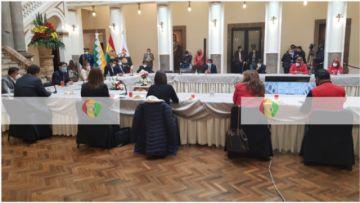 Así se desarrolla el diálogo en Palacio de Gobierno