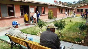 Cochabamba: Fallece un adulto mayor por COVID-19 en un asilo de Sipe Sipe y 21 se contagiaron