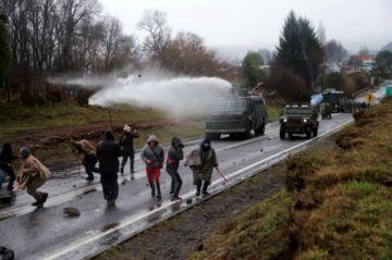 Hay cuatro detenidos tras enfrentamiento en zona mapuche en Chile