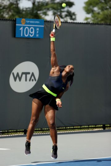 Serena Williams regresa con victoria en torneo WTA de Lexington
