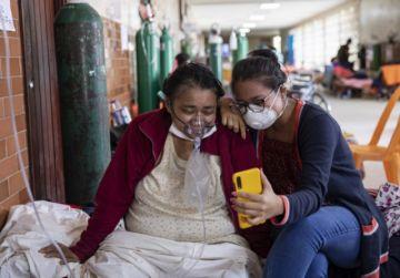 Perú repone toque de queda dominical y prohíbe reuniones sociales