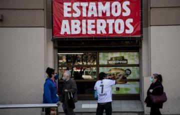 Chile se alista para levantar la cuarentena en el centro de Santiago tras casi cinco meses