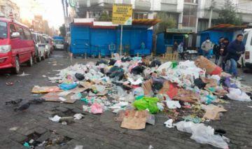 Nuevamente se acumula la basura en la ciudad de El Alto