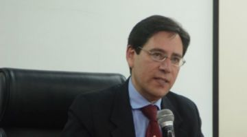 """Romero asegura que hubo """"diálogo difícil"""" con movimientos sociales, Huarachi dijo que no"""